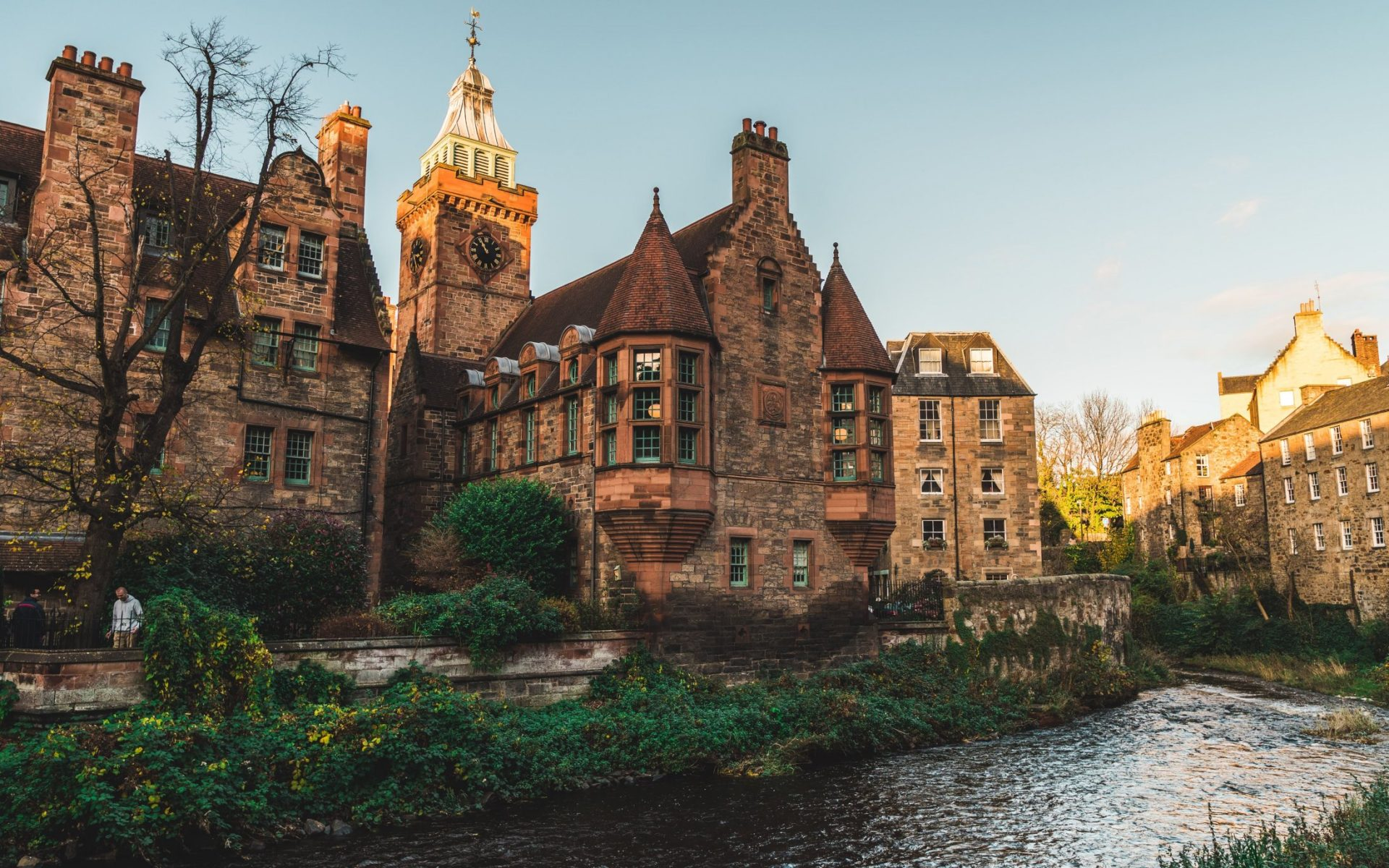 10 Reasons why Edinburgh